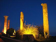 220pxTorrevieja-Monumento a las Culturas del Mediterraneo